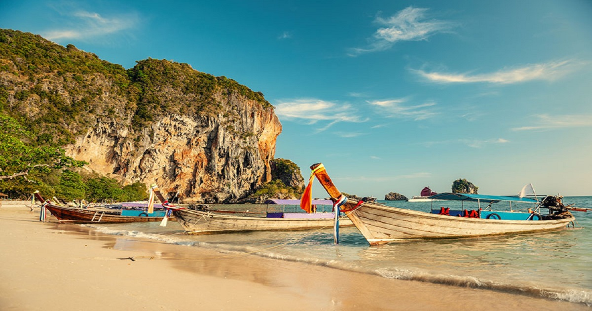 8 REASONS TO TRAVEL TO SOUTH-EAST ASIA